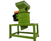 vertical fertilizer crusher
